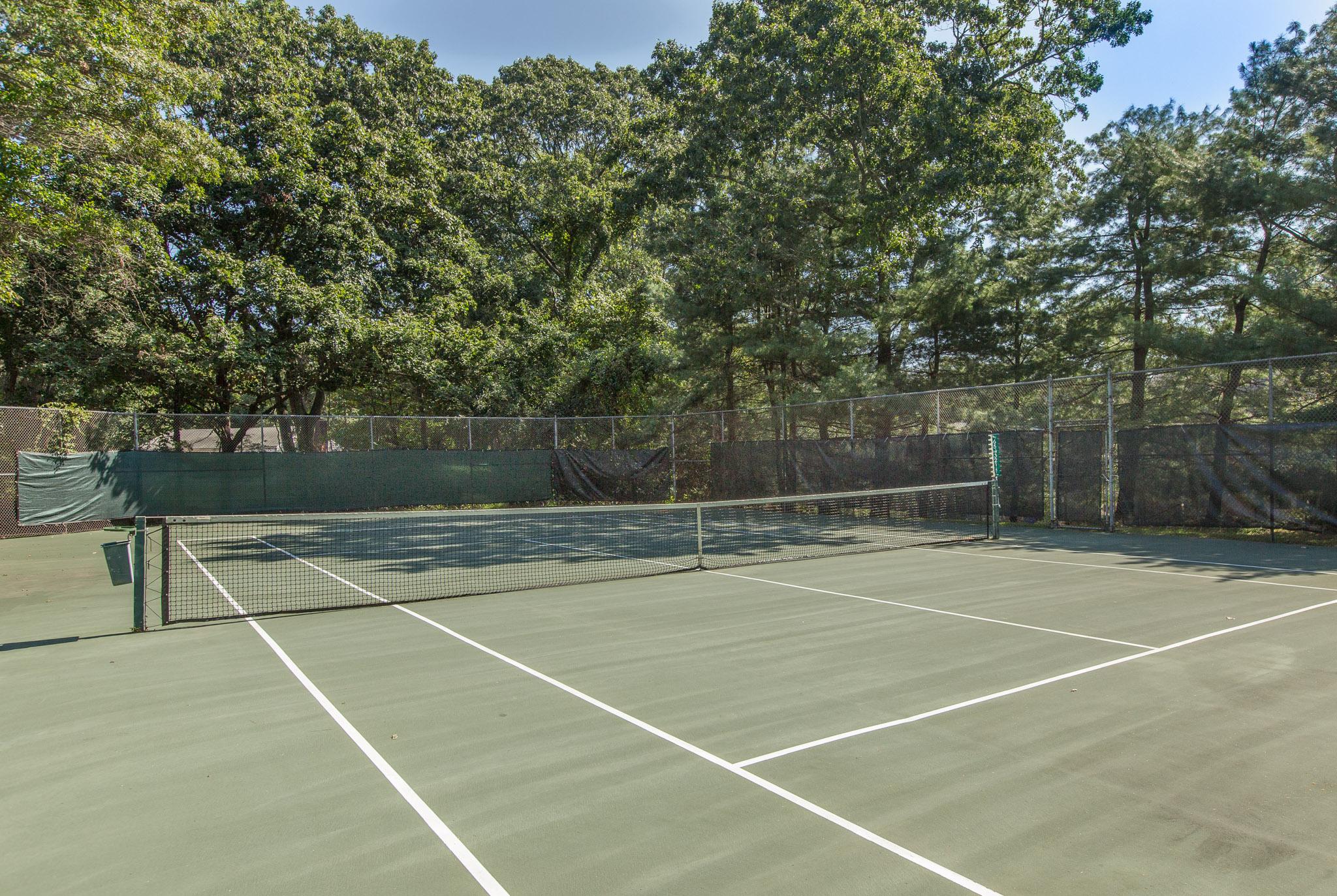 32 tennis court .jpg