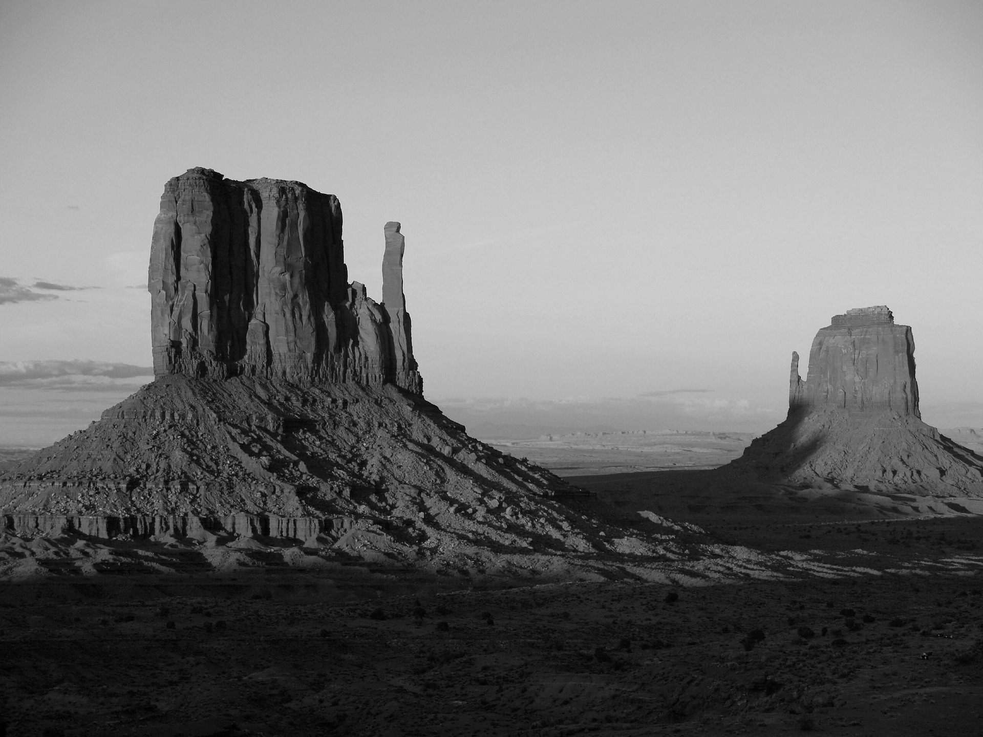 monument-valley-53637_1920_edited.jpeg