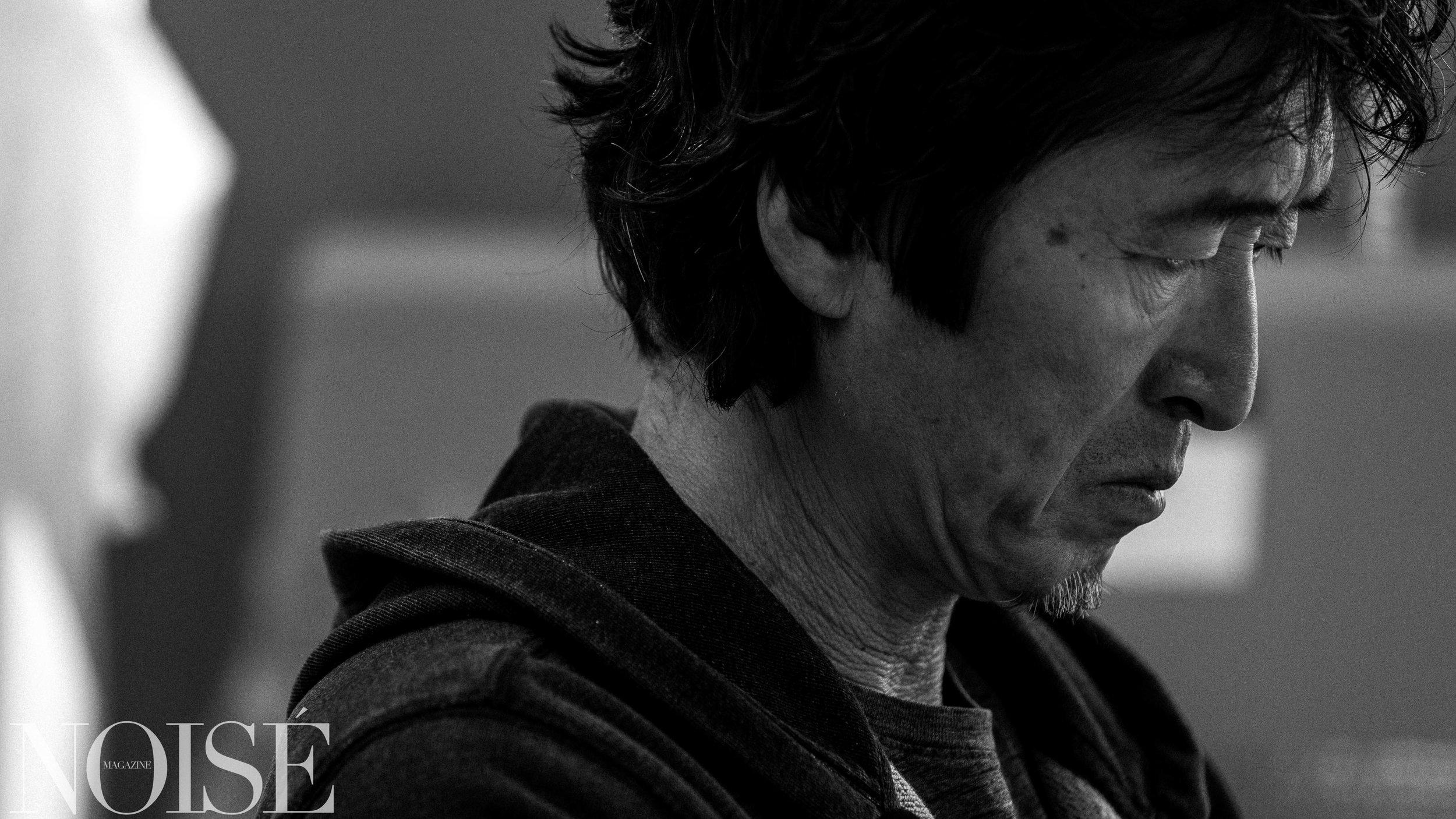 韦佳 ,1957年5月出生,北京人,画家,现生活创作与纽约与北京两地。1984年毕业于中央美术学院油画系,1985年任教于中央戏剧学院舞台美术系,1987年美国宾州布鲁姆斯堡大学美术系研究生,获硕士学位。韦佳在国际范围内广泛举行个展和群展,并被列入华裔艺术家名人录。