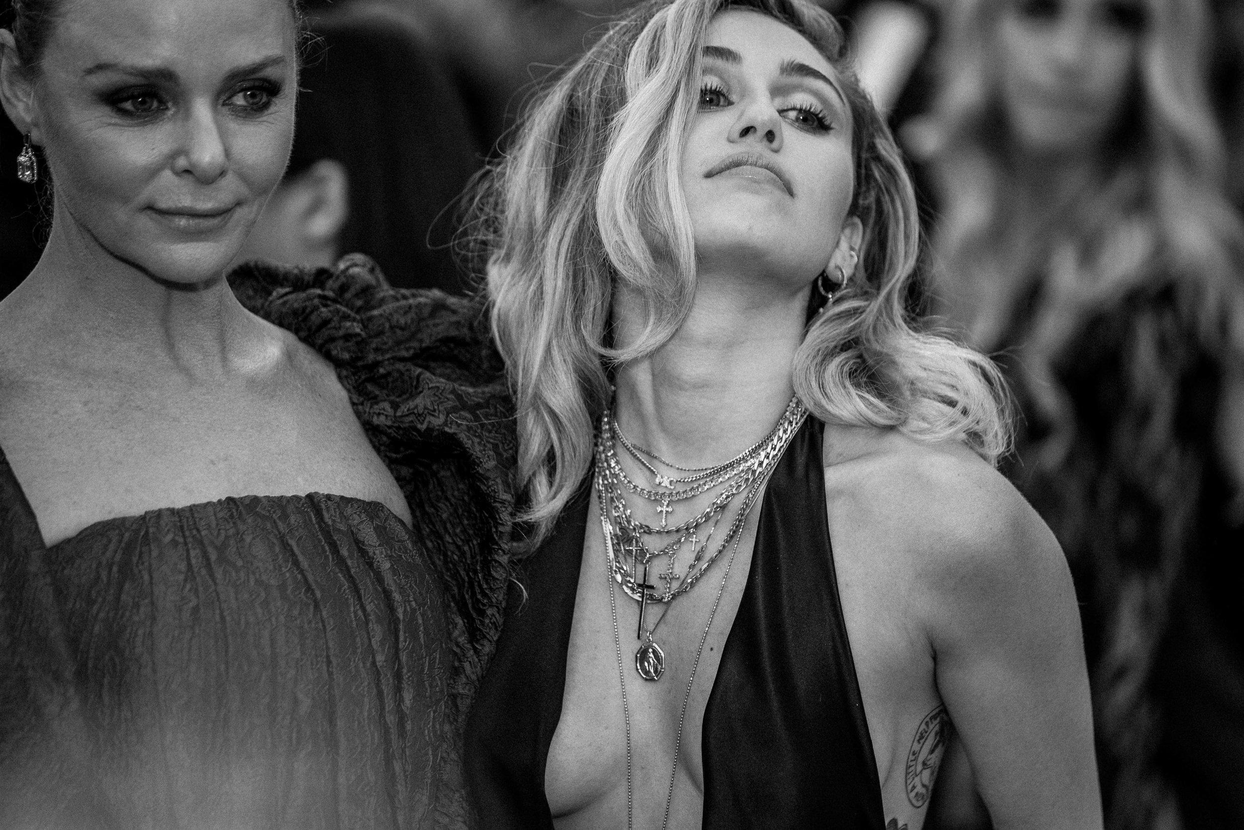 Miley Cyrus at the 2018 Met Gala. Photograph by Siyu Tang.