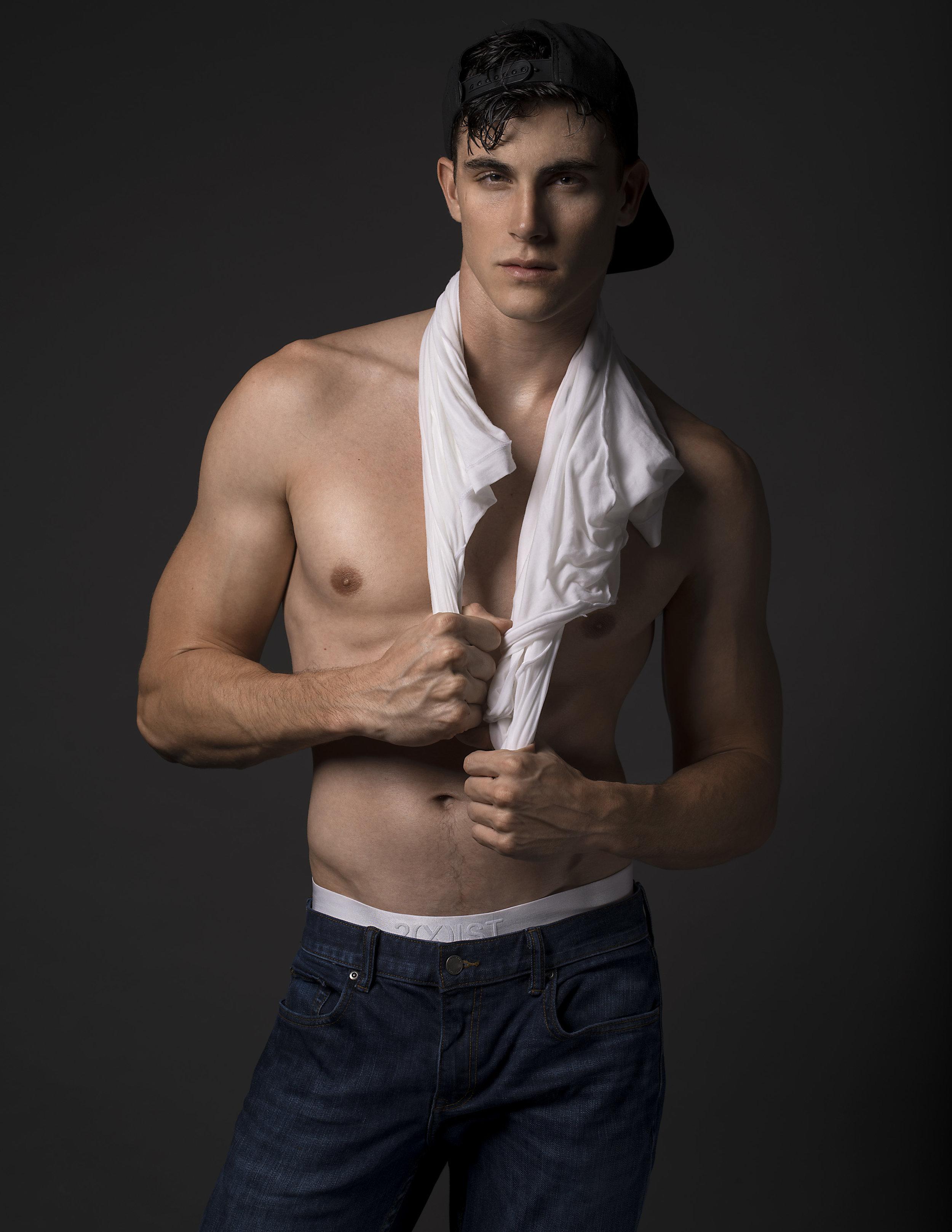 T-shirt & underwear -  2(X)ist , Denim -  Banana Republic , cap - model's own