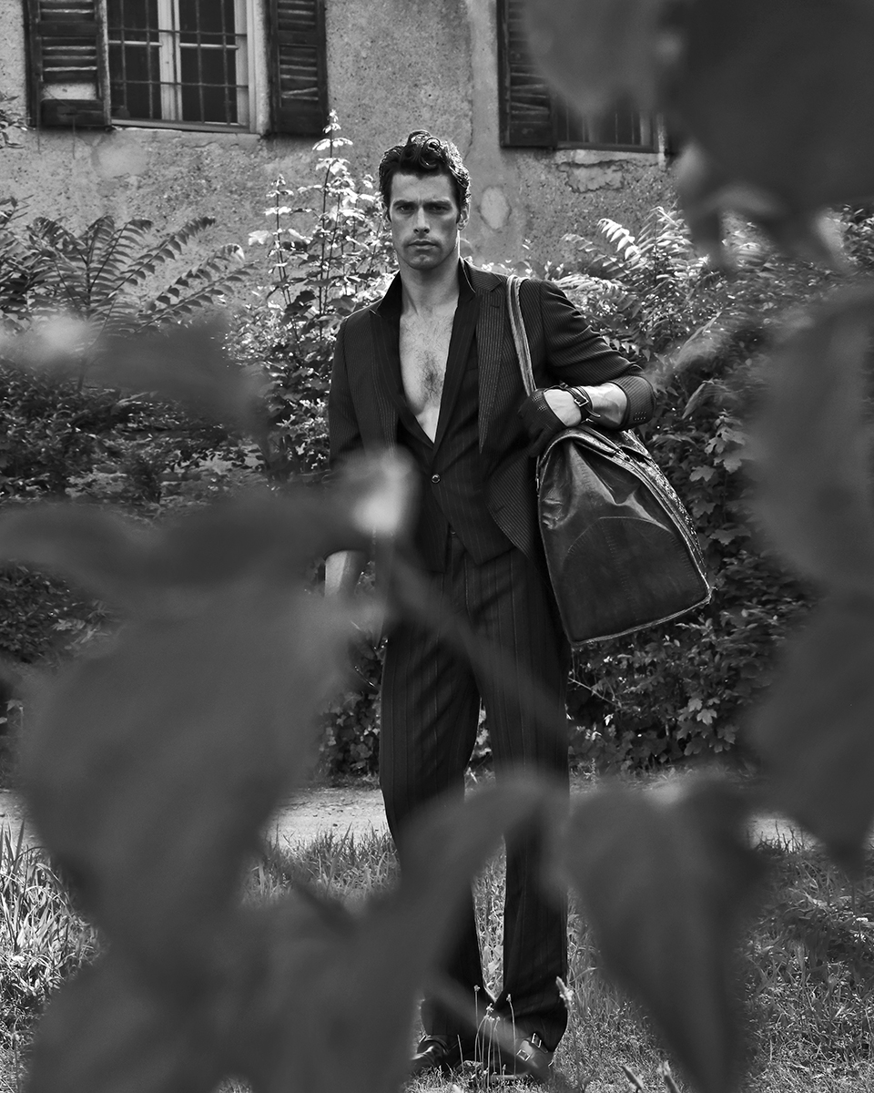 Gilet -  Emporio Armani , trousers -  Dolce & Gabbana , jacket - Laboratori Italiani , gloves -  Zara , bag - stylists own