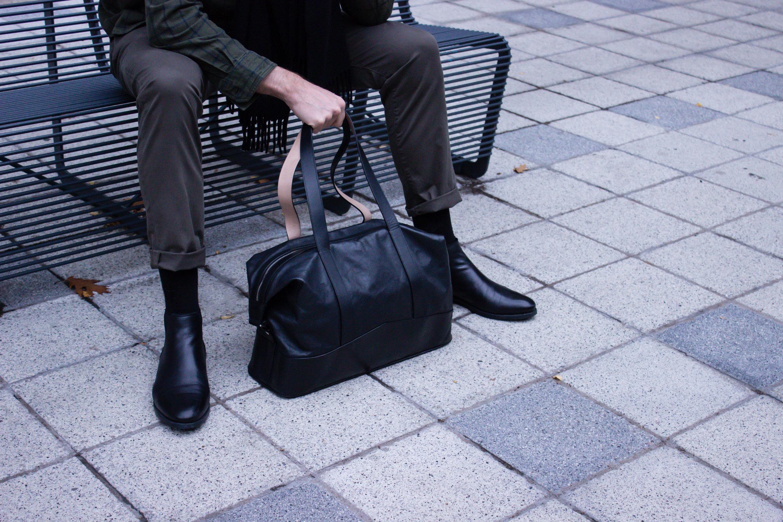 Thomas Clipper All Leather Overnight Bag 02.jpg