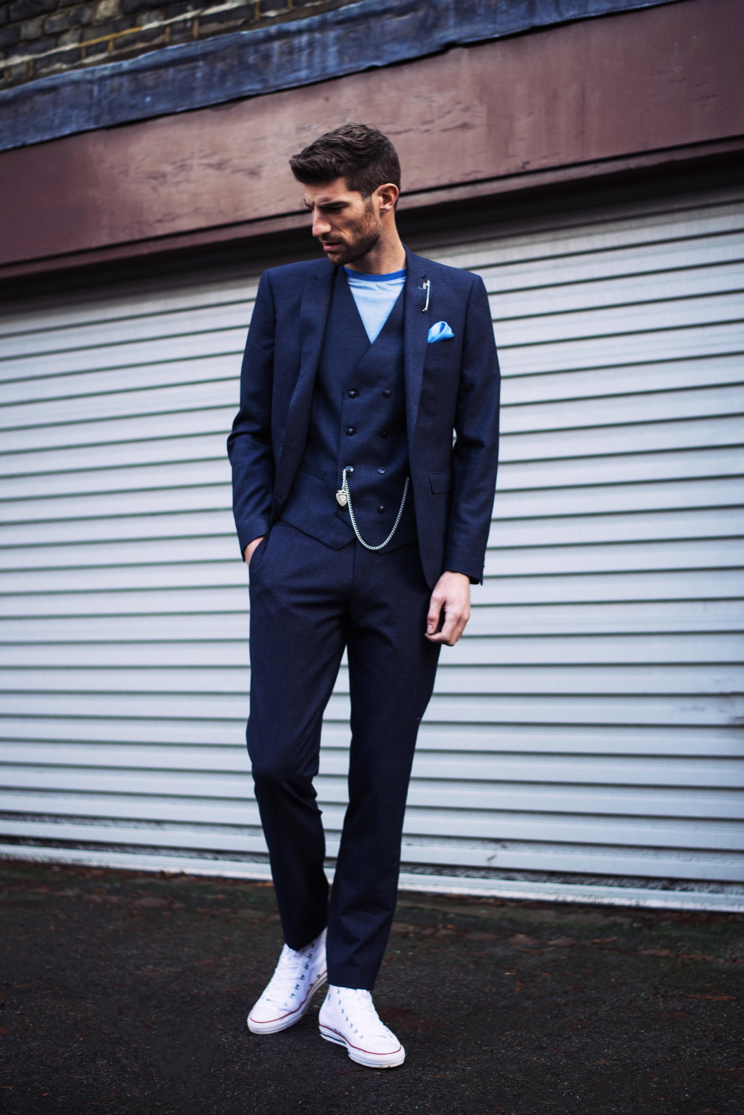 T-shirt and suit-  Remus Uomo , Pocket square -  Simon Carter , Shoes -  Converse