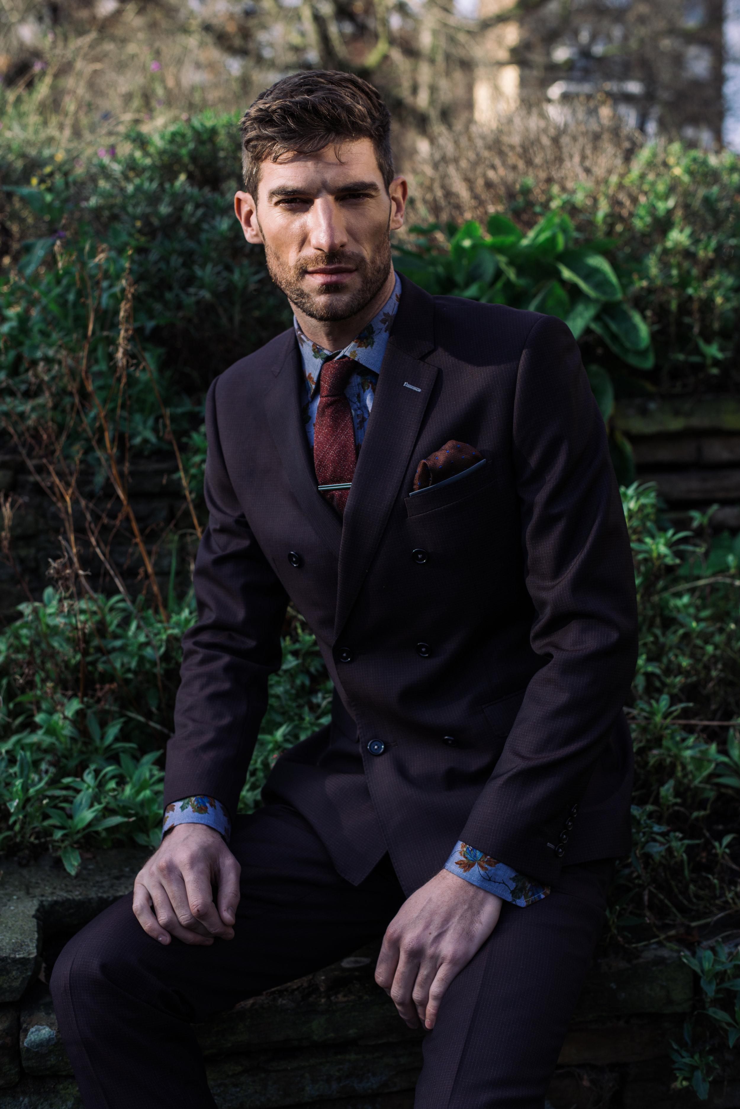 Shirt, tie and tie-clip -  Simon Carter,  Suit -  Remus Uomo , Pocket square -  River Island