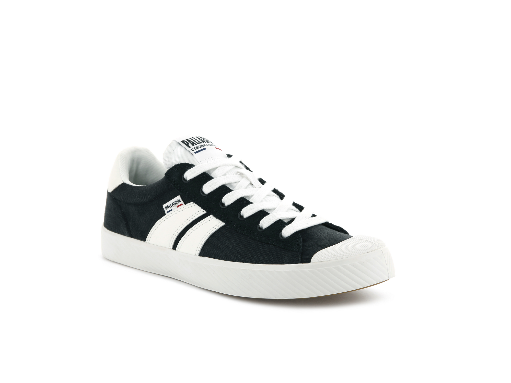 Palladium Pallaphoenix flame sneakers - €69.95 - Bringing the classic Palladium sport style to the modern streets, the iconic flame branding on these soft canvas lo-top trainers is complemented by the suede eyestay for a retro look.