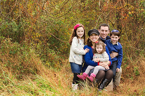 """""""Yehudis worked her magic on our family! She was warm and patient with the kids and made the whole session fun."""" - – Brookman Family"""