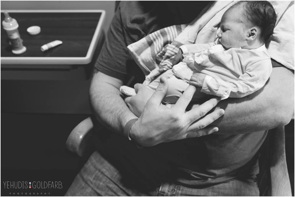 Bringing-Baby-Home-Yehudis-Goldfarb-Photography_0002-1.jpg