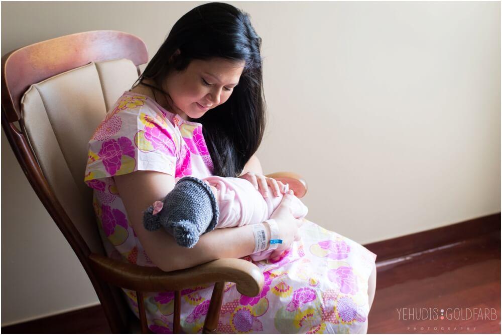 Bringing-Baby-Home-Yehudis-Goldfarb-Photography_0017-1.jpg