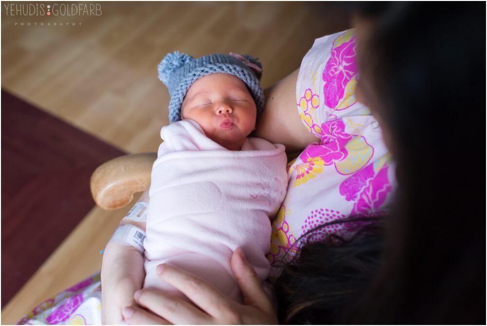 Bringing-Baby-Home-Yehudis-Goldfarb-Photography_0018-1.jpg