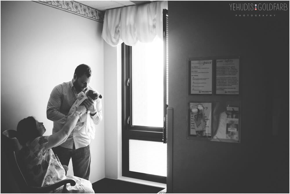 Bringing-Baby-Home-Yehudis-Goldfarb-Photography_0026-1.jpg