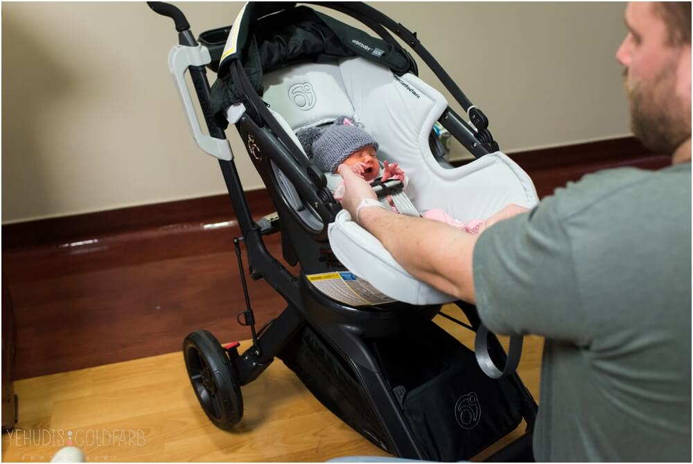 Bringing-Baby-Home-Yehudis-Goldfarb-Photography_0046-1.jpg