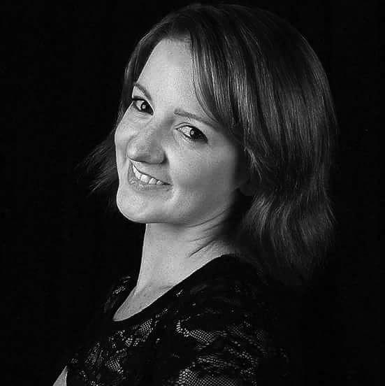 Chelsie Bennett - Actor