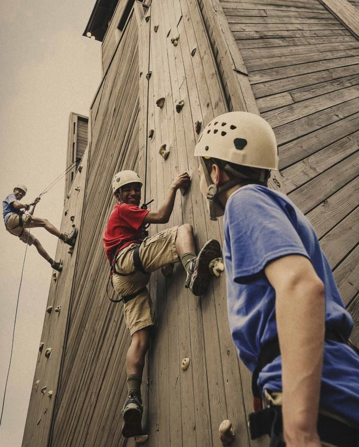 climbing-wall-e1474384987677.jpg