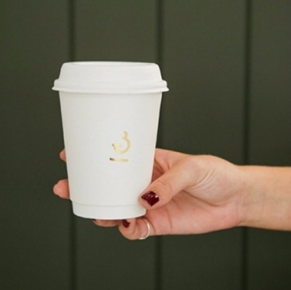 Paper cups and sugar cane mulch lids.  Zero reason to use plastic. ⠀⠀⠀⠀⠀⠀⠀⠀⠀ The paper means your coffee taste isn't altered by hot plastic either.  Saving your coffee and the earth one cup at a time. (Yes, the sticker is also paper)  @plasticfreenoosa