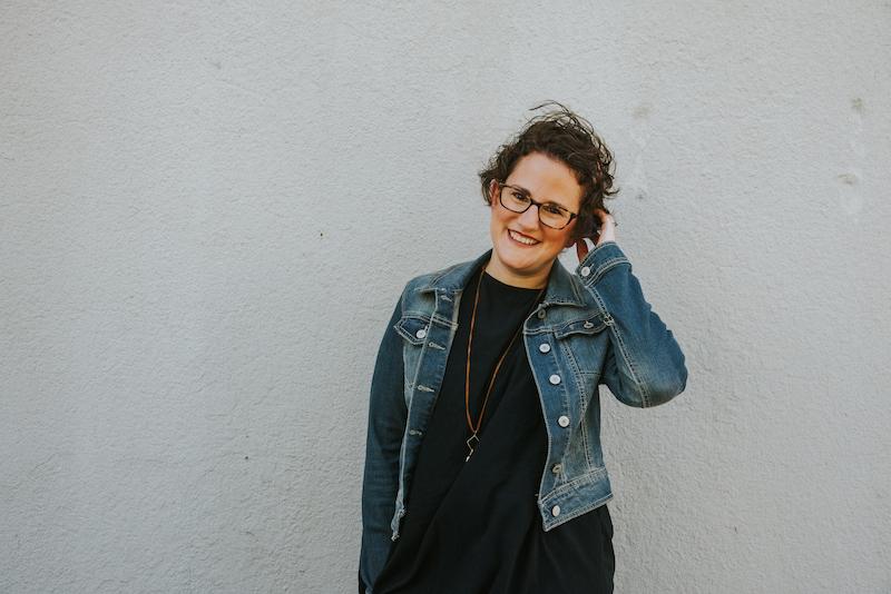 Kara Hoholik, Owner - www.MyEducatedStyle.com