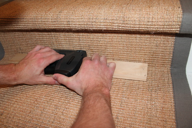 how to install a stairs runner