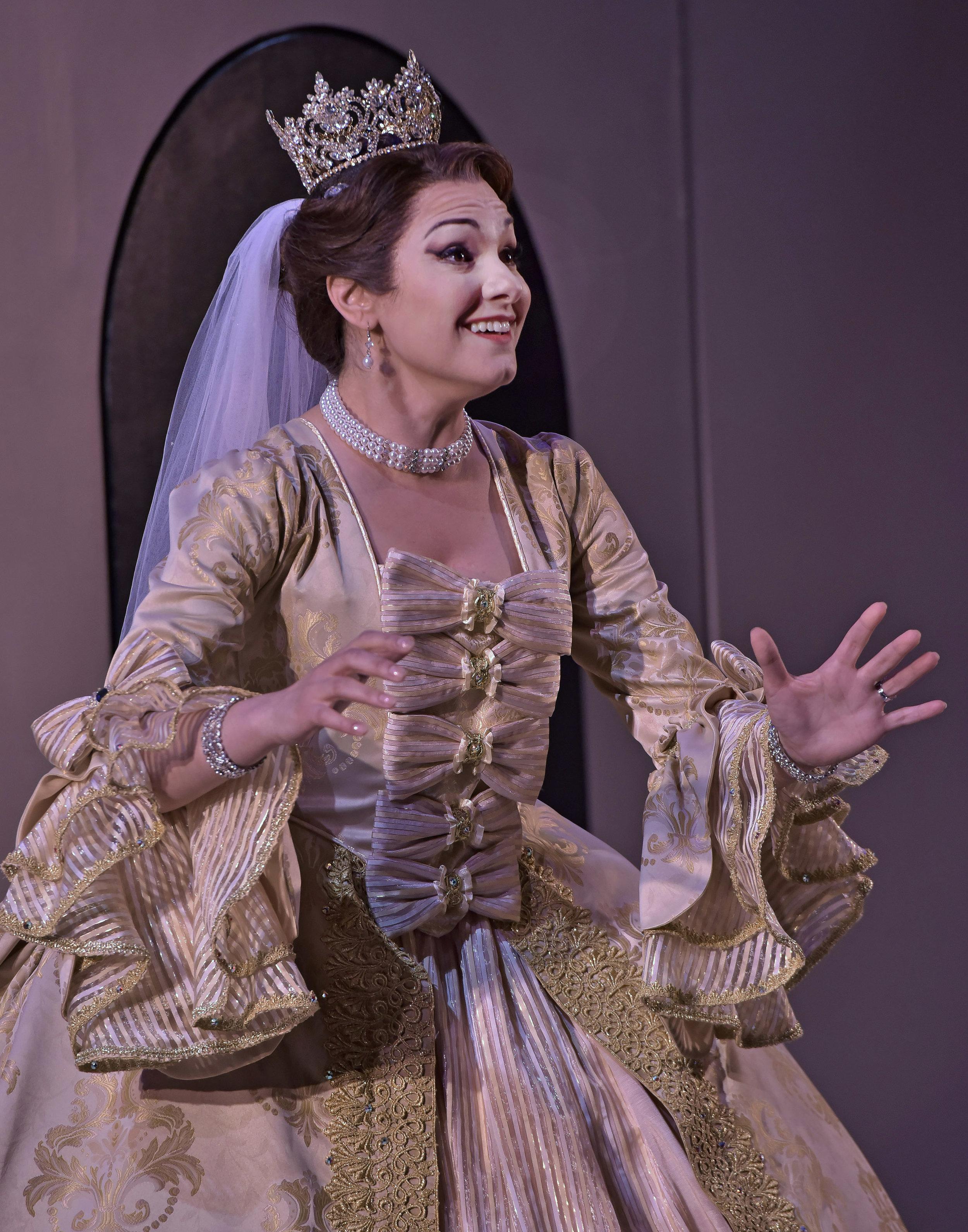 Opera_Saratoga_GG63419.jpg