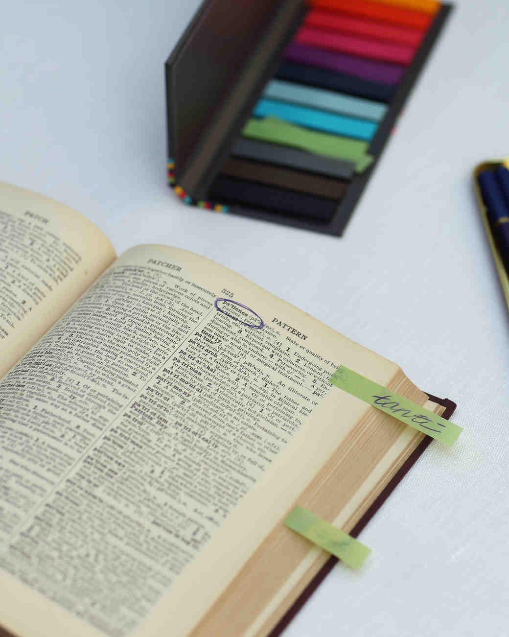 lindsay-andy-wedding-guestbook-4448-s111659-1114_vert.jpg