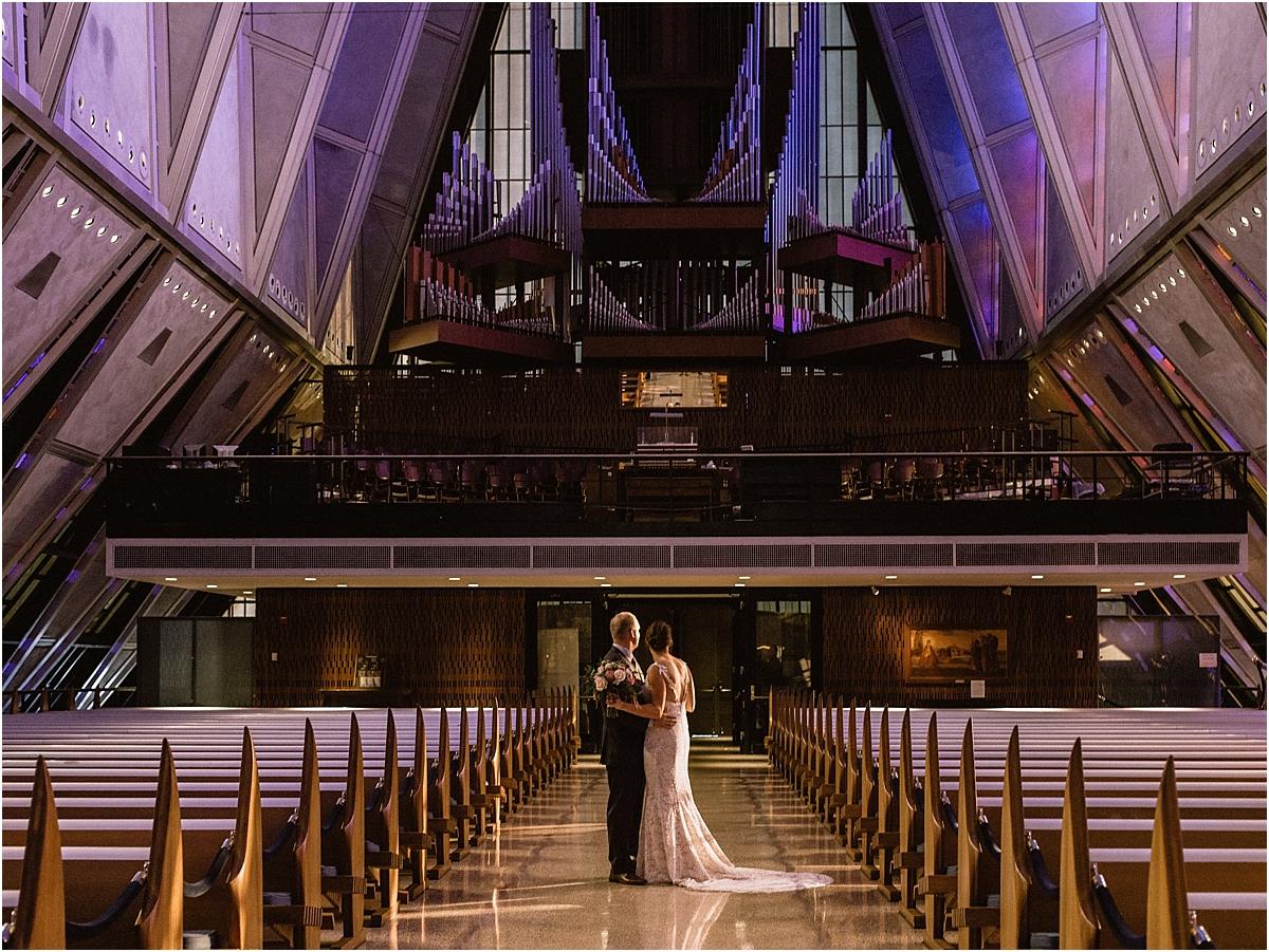 bride-groom-cadet-chapel-romatic-photos_0027.jpg