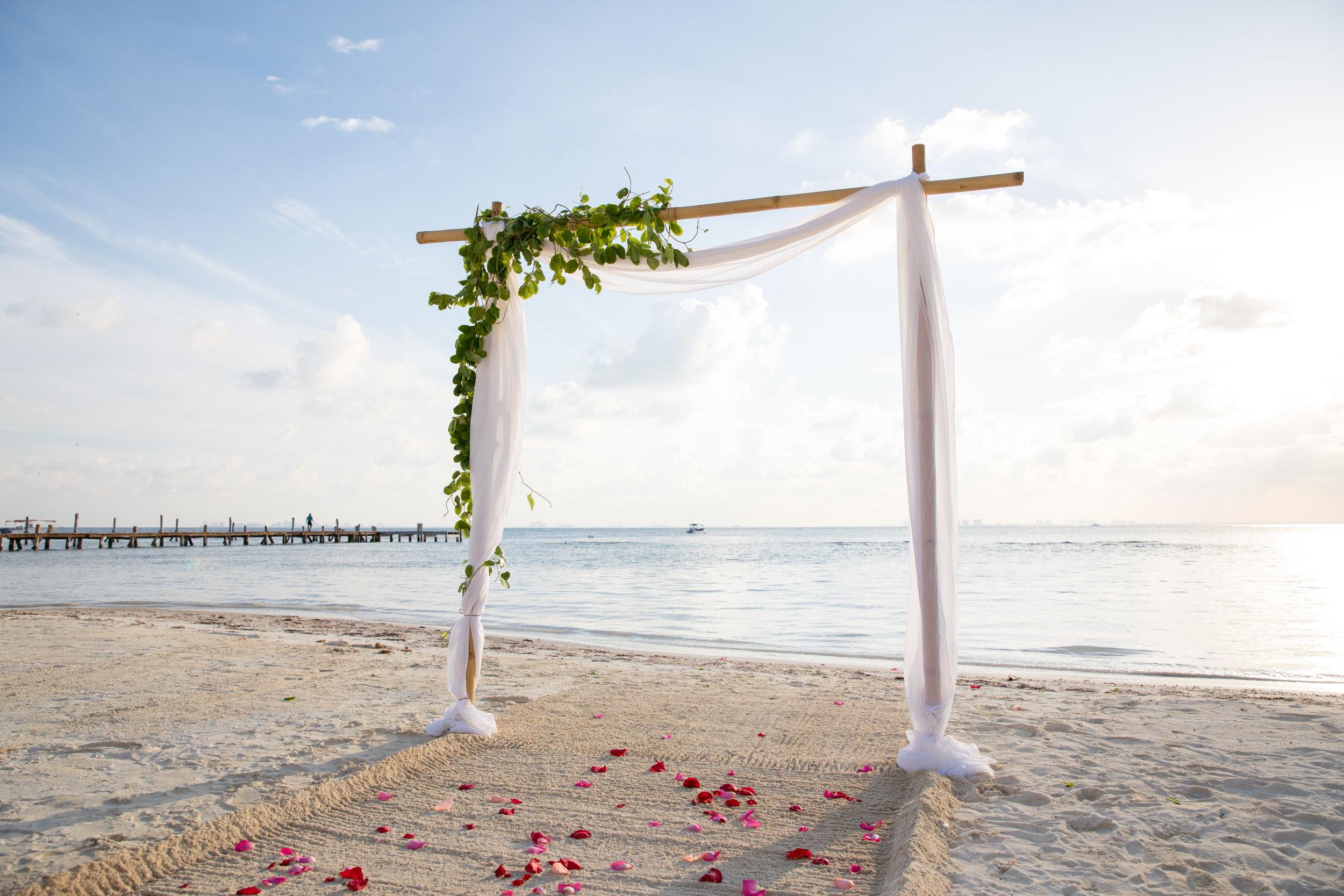 beach-wedding-decor.jpg