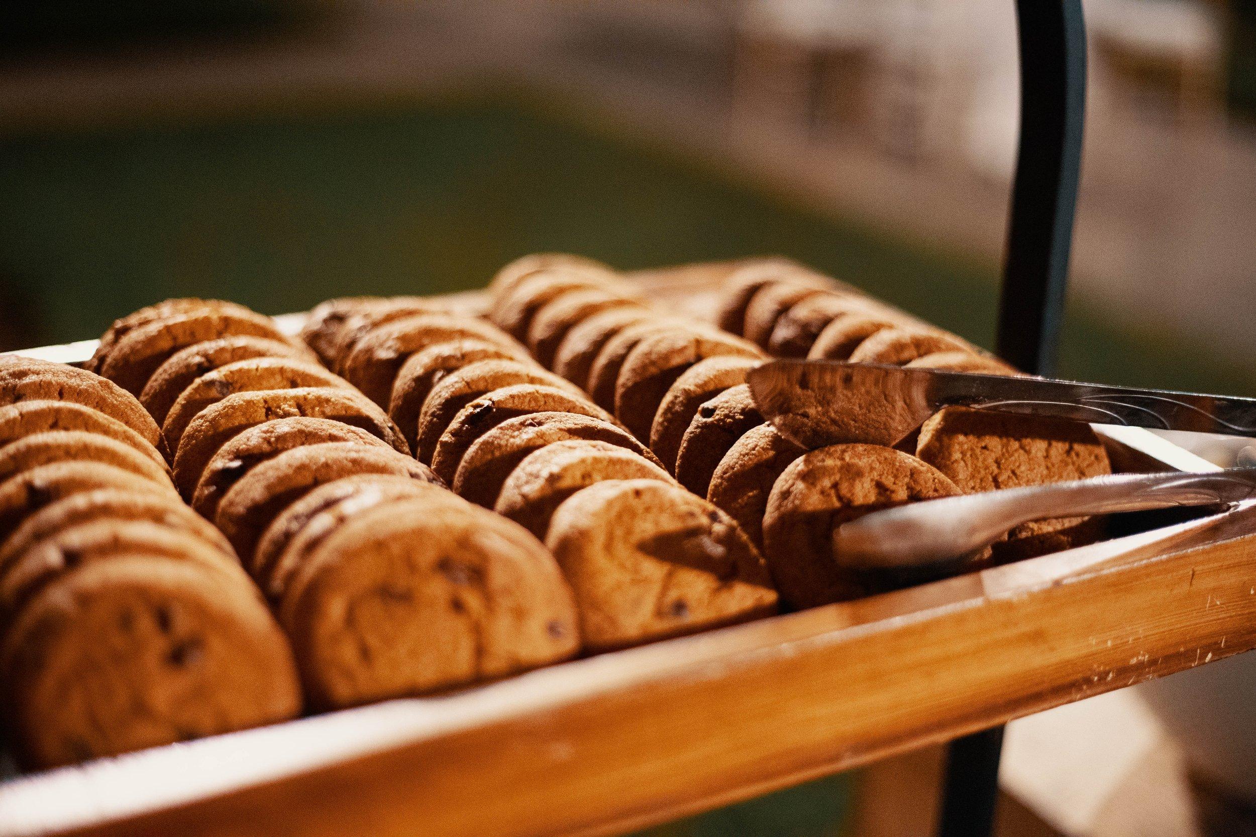 bakery-baking-bread-1546890.jpg