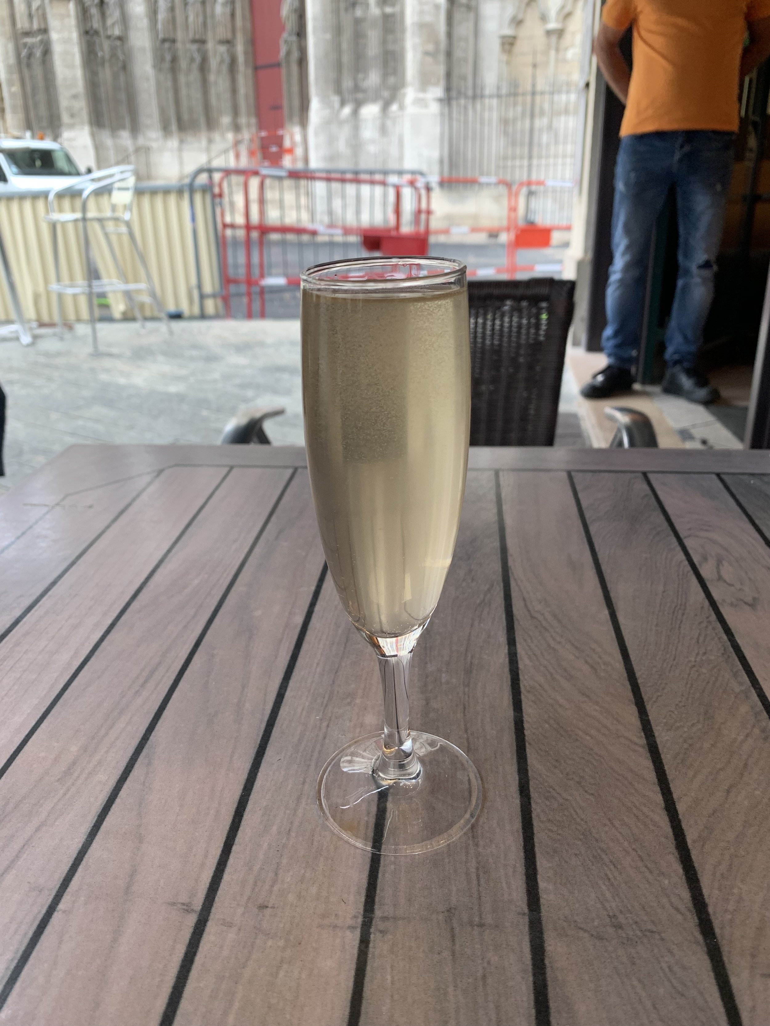 Glass of champagne at La Flèche