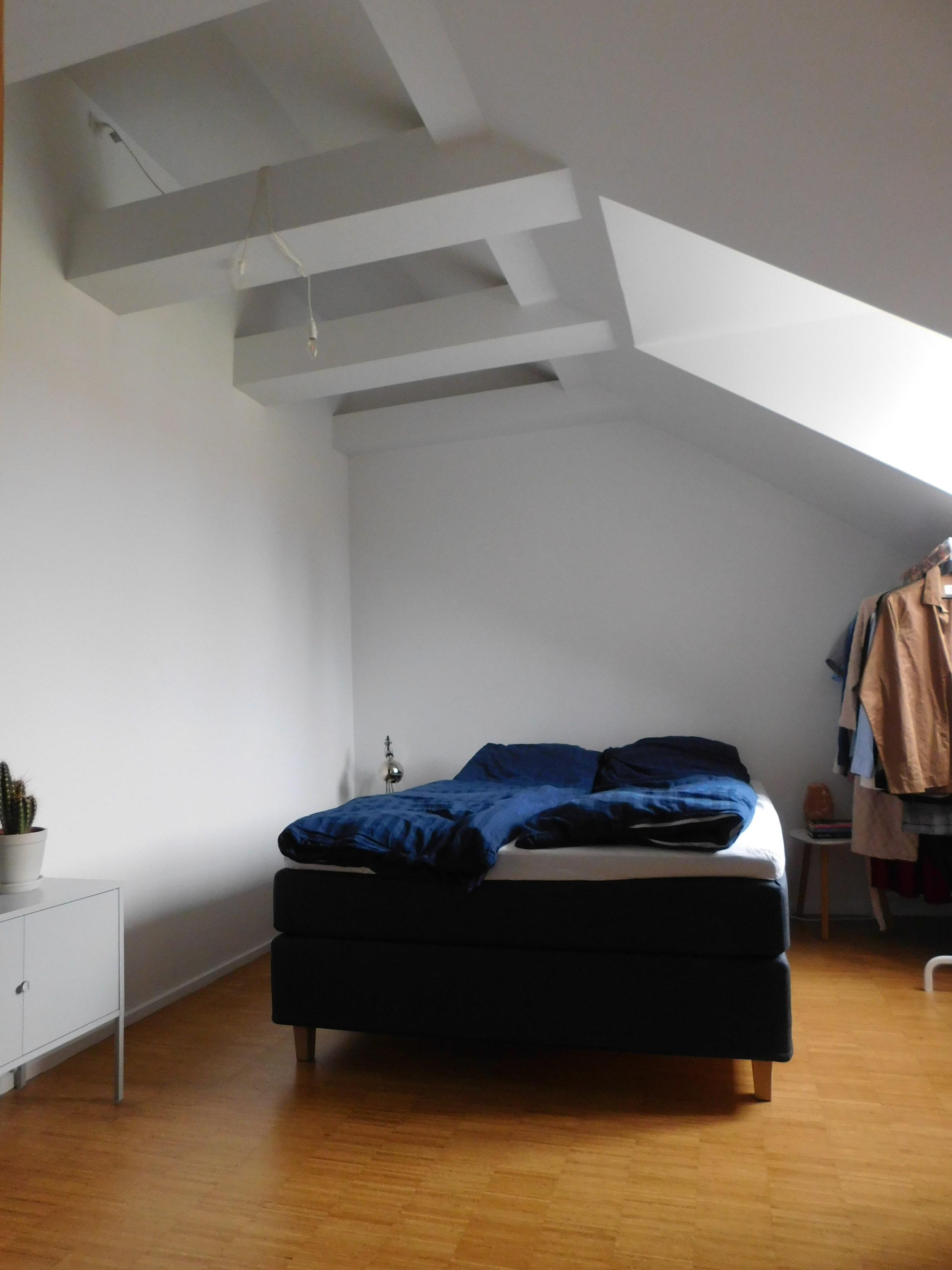 1.06 Room 2.JPG