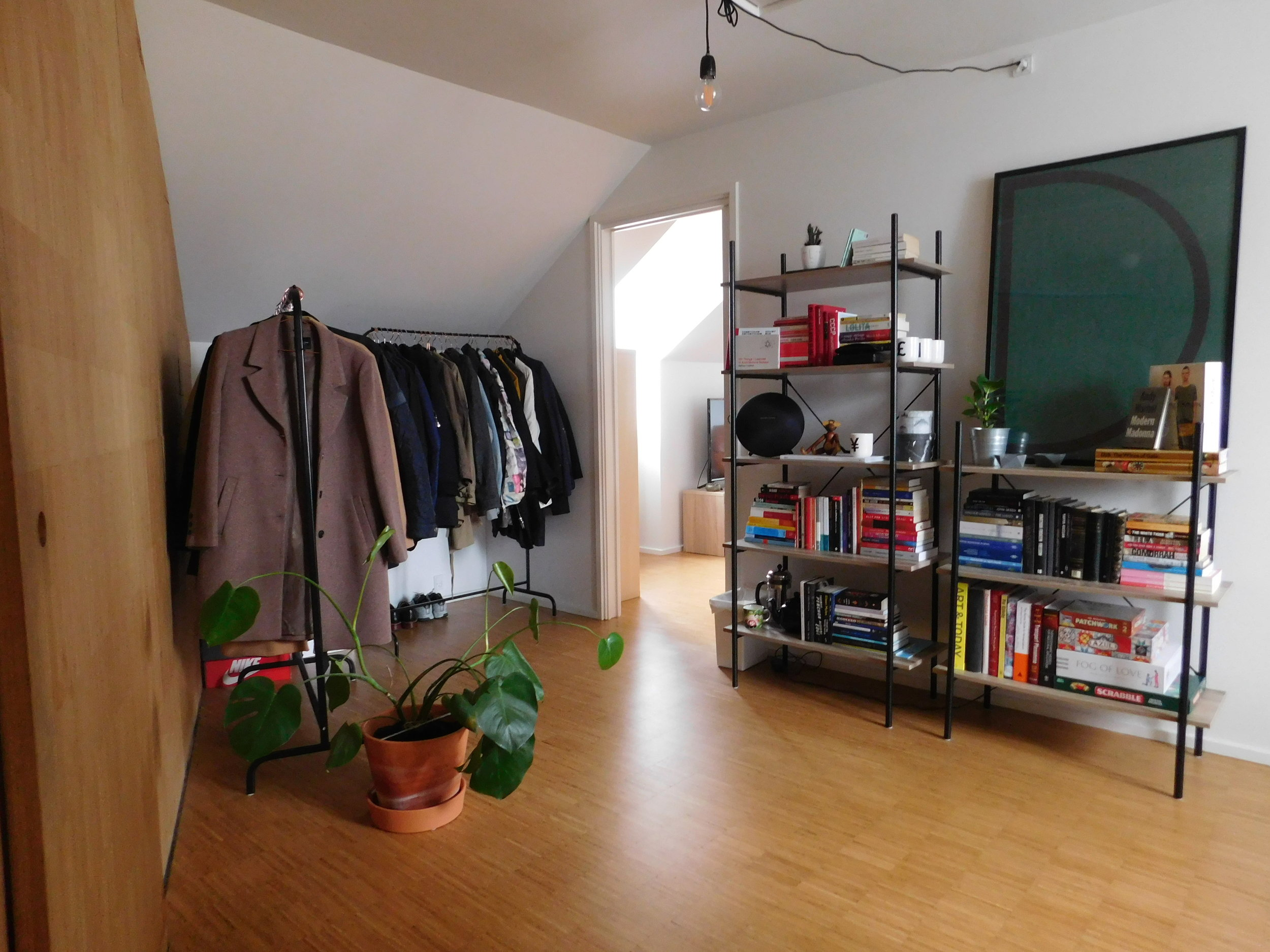 Room 1.06 shared space.JPG