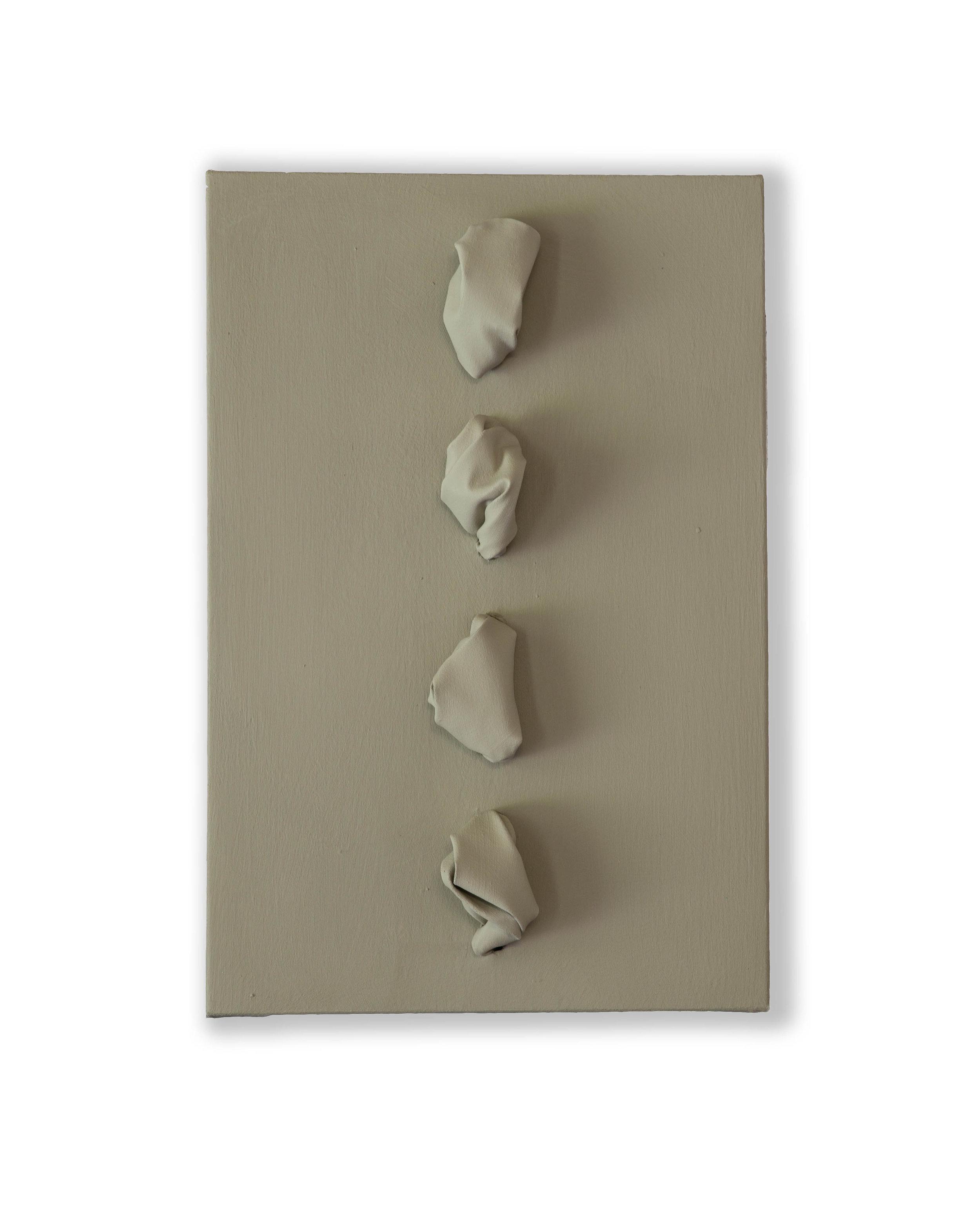 Flowing Grey Light  - 2018  Pigmento acrilico su tela stesa su tavola  60 x 40 x 16 cm  Collezione Privata