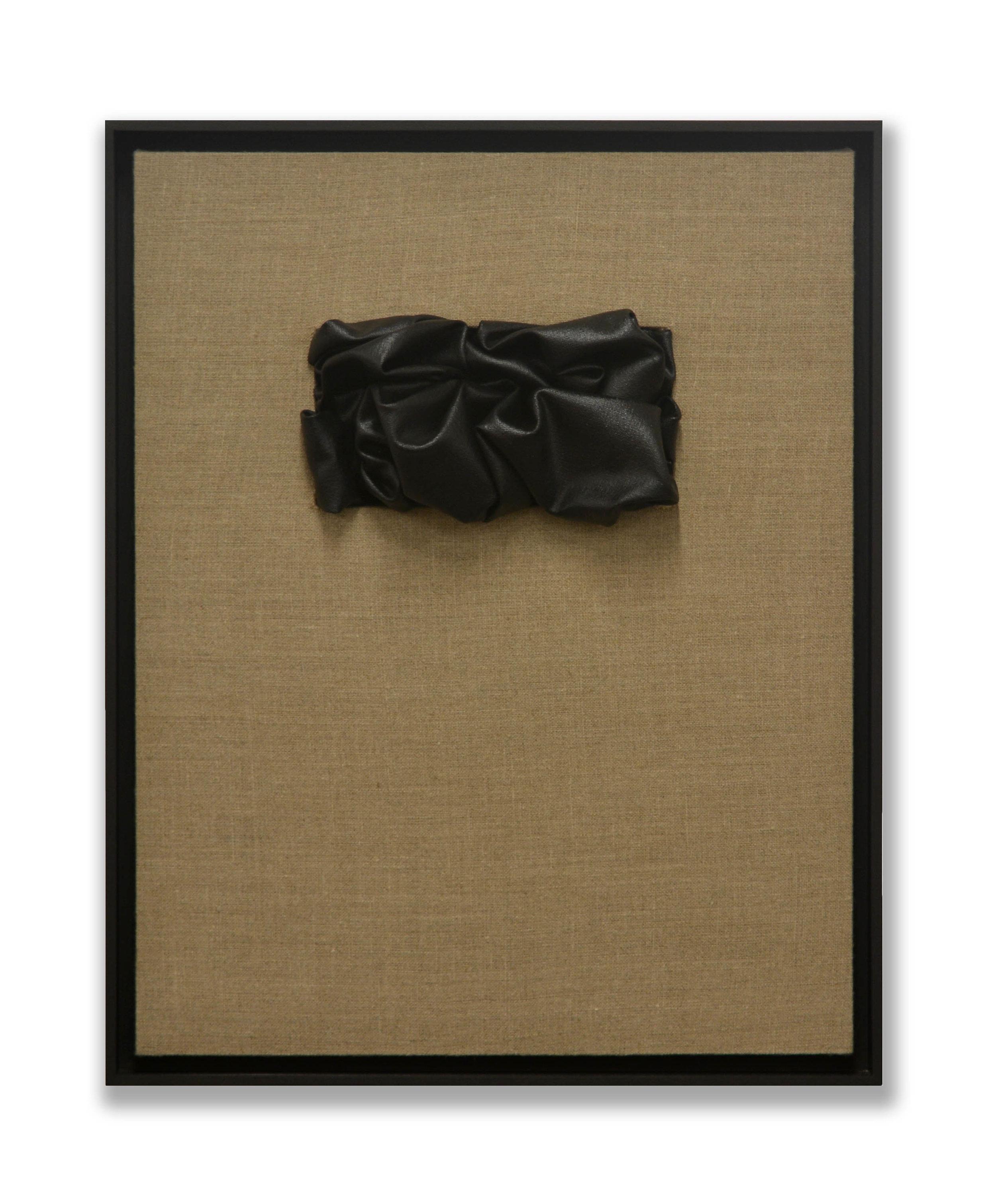 Senza Titolo  - 2018  Bomboletta spray su tela di lino grezza  53,5 x 43.5 cm (con cornice)