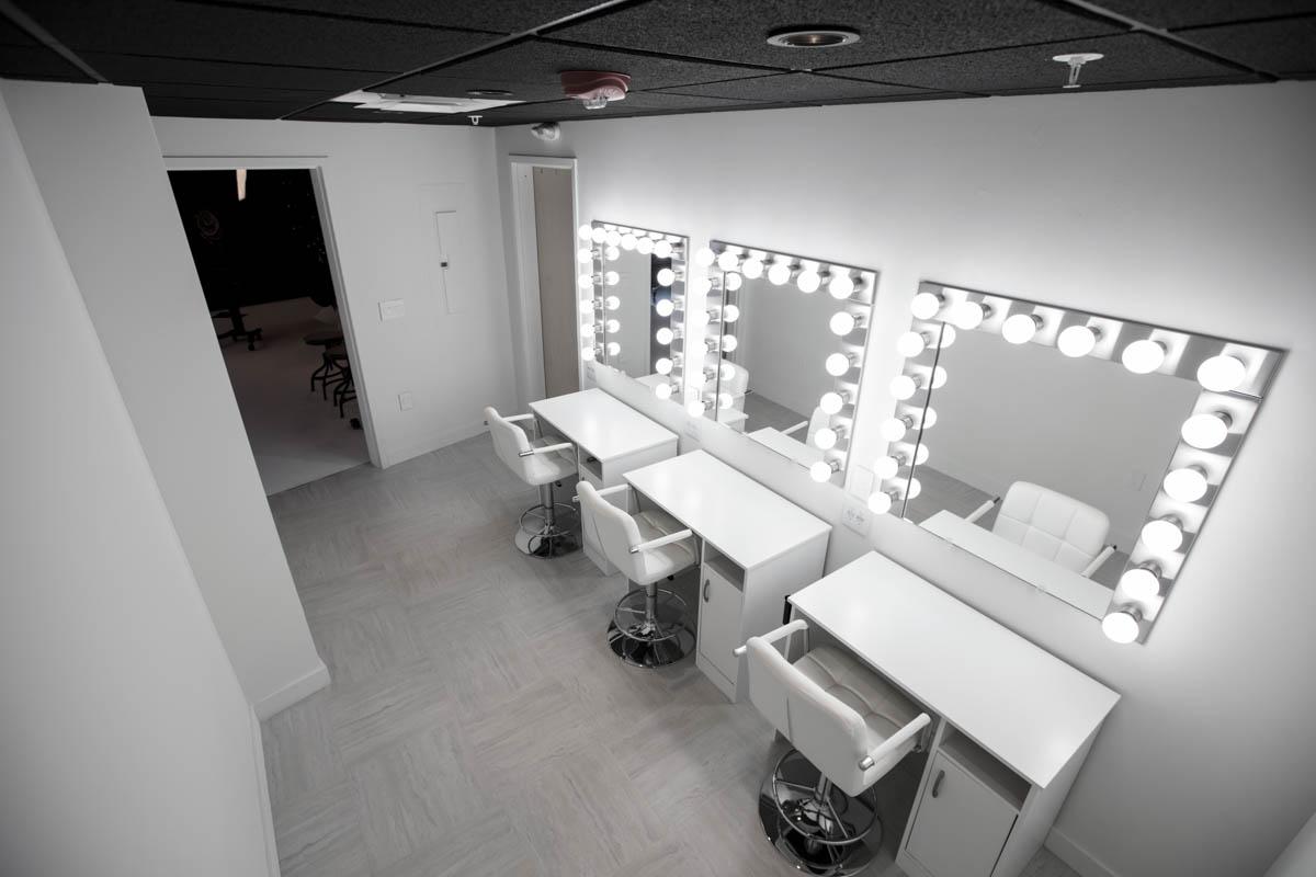 Dressing_Room_2.jpg