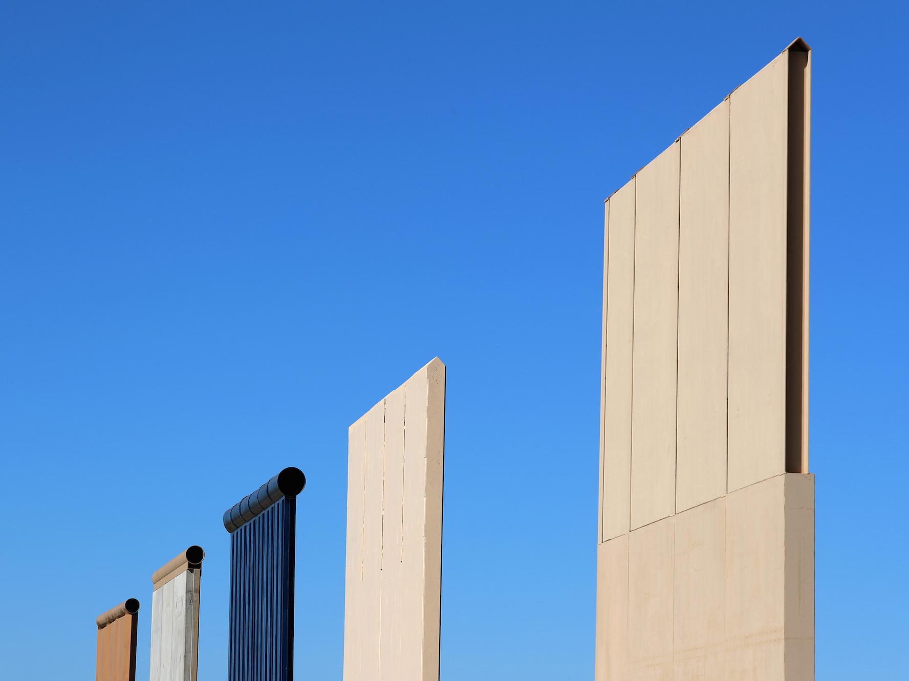 171027-border-wall-prototypes-ew-315p_a4f6e0a8cb960afecce73b663803b85a.jpg