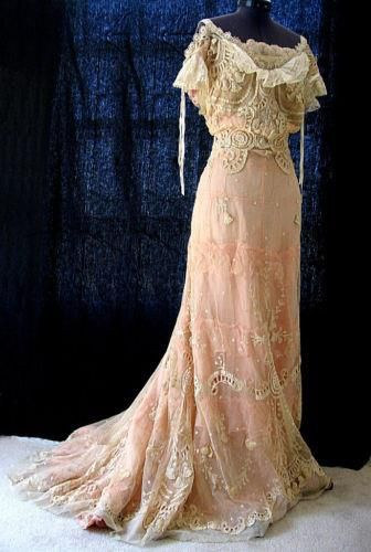 lace gown.jpg