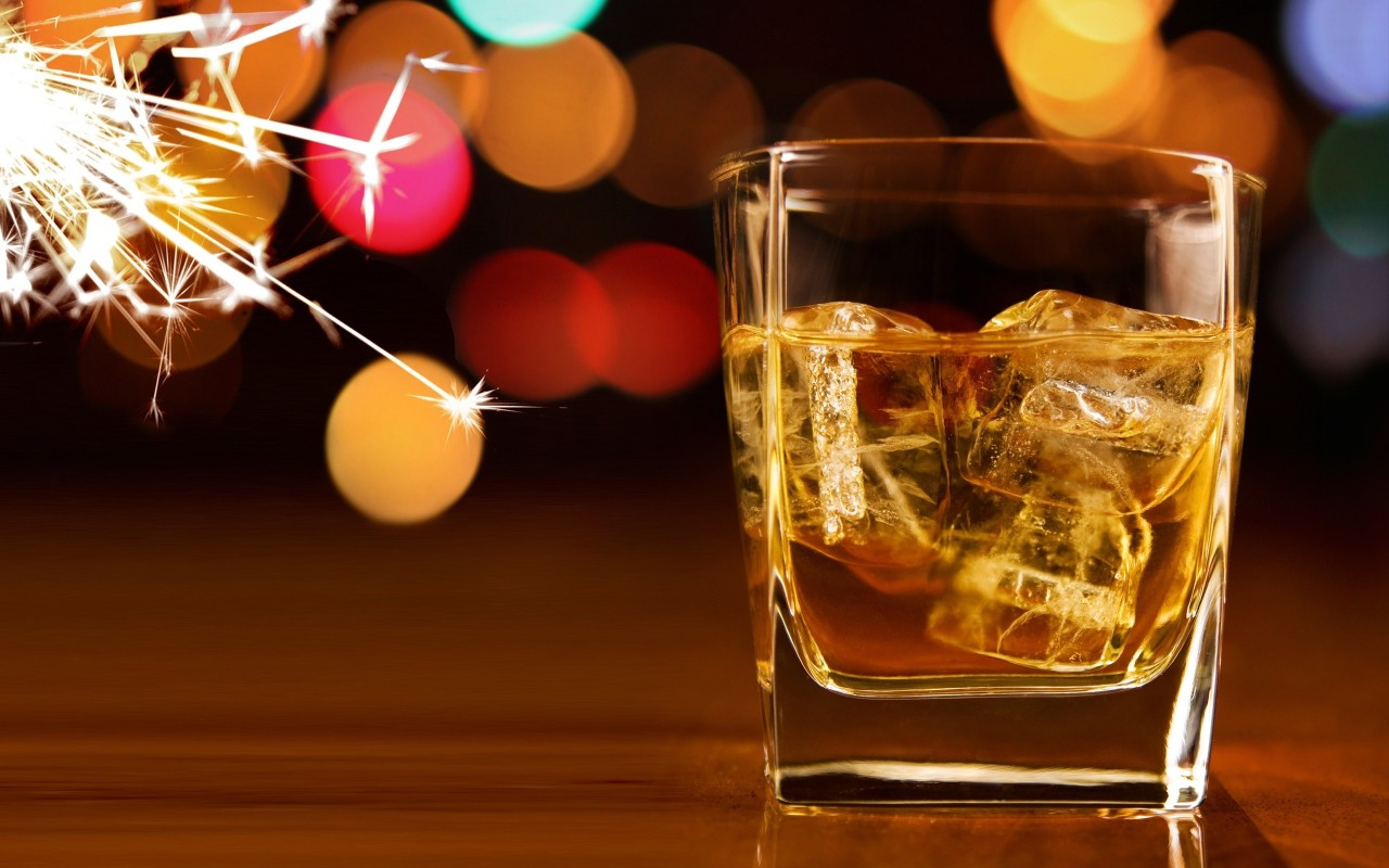 a-glass-of-whiskey-and-fireworks-1280x800-wide-wallpapers.net.jpg