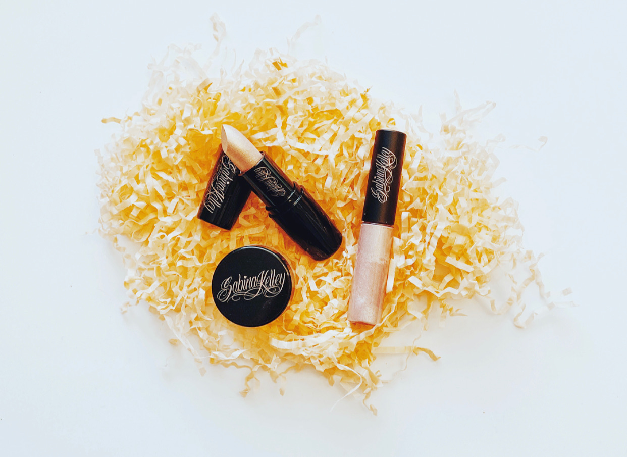 PinUp Pout Nude Lip Trio Set. Go Get Ya one!