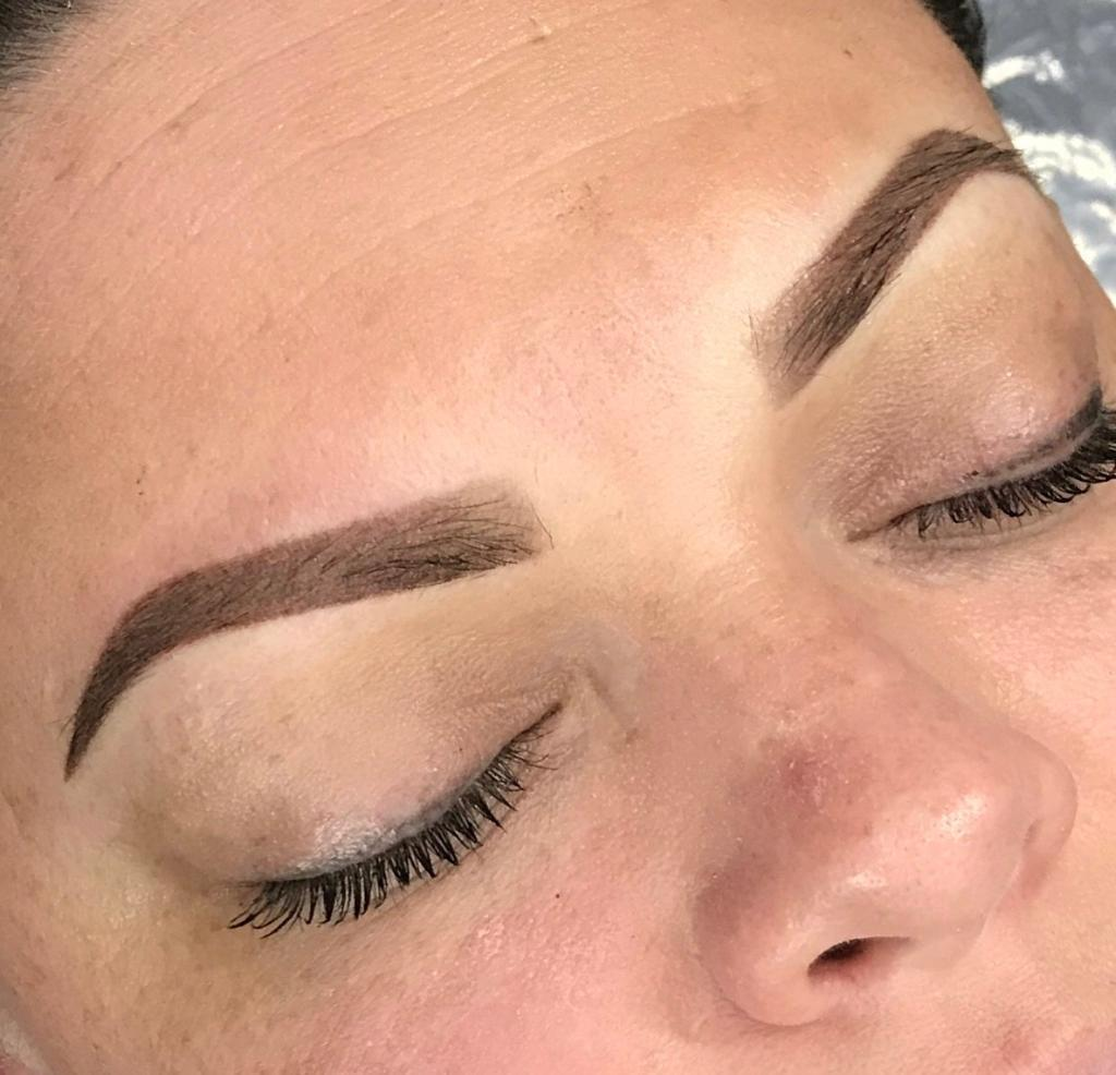 OMBRE' BROWS - $600   Ombre Brows is the look of a natural gradient effect at the beginning of the eyebrows before extending the effect to a filled brow.