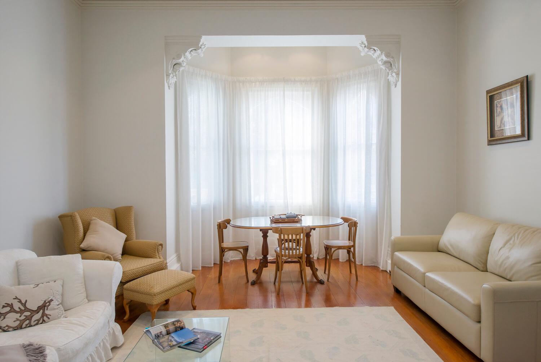 Suitelivngroom5.jpg