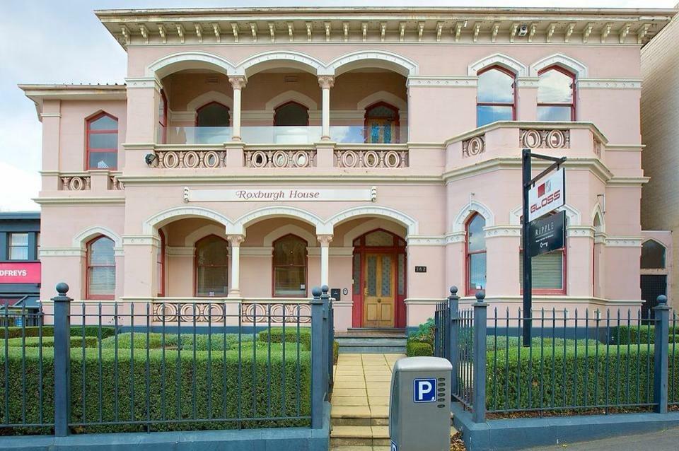 Roxburgh House - external