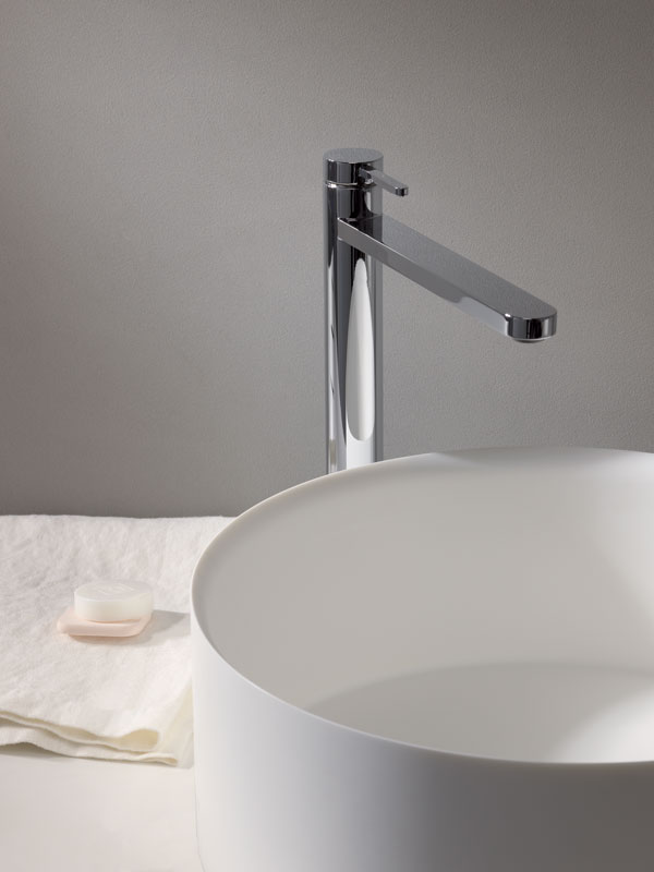 "UC 22051  Available in Chrome color. Accepts indent orders for other colors.  Basin mixer with 1""1/4 Up&Down waste"