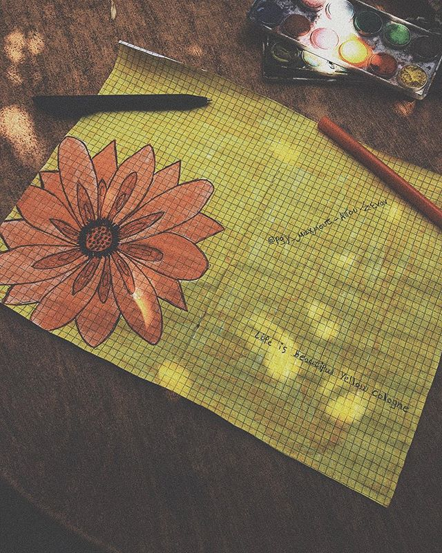 Art class 🎨 @pgy_mahmoud_abu_senan . . . #greece🇬🇷 #samos #art #drawing #island #flowers #bananahouse #europe