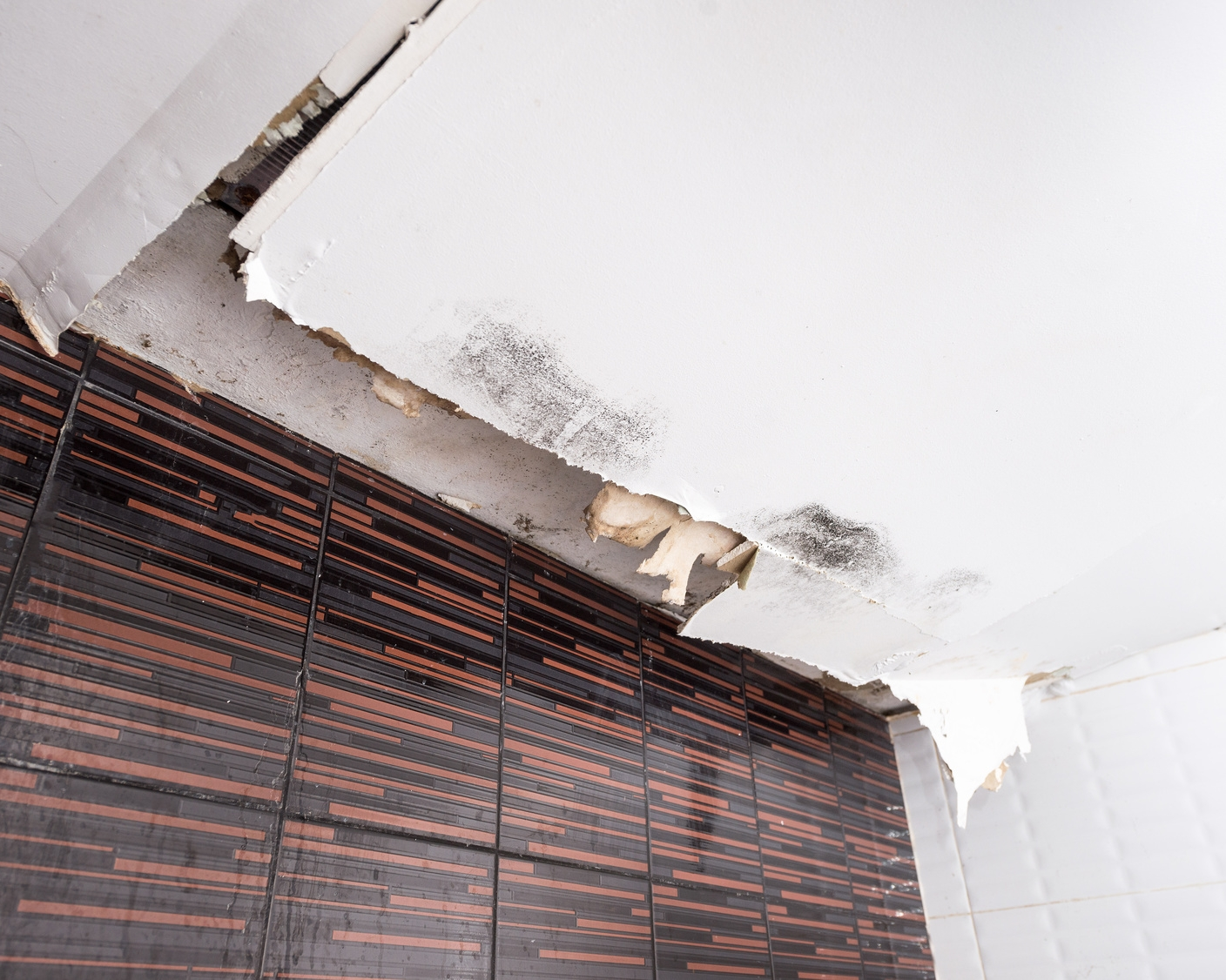 24/7 Emergency Services - We know how critical a space can be for the operation of your business. We'll take care of your space like it's our own. Click below to learn about our disaster response, restoration,remediation, and reconstruction services.