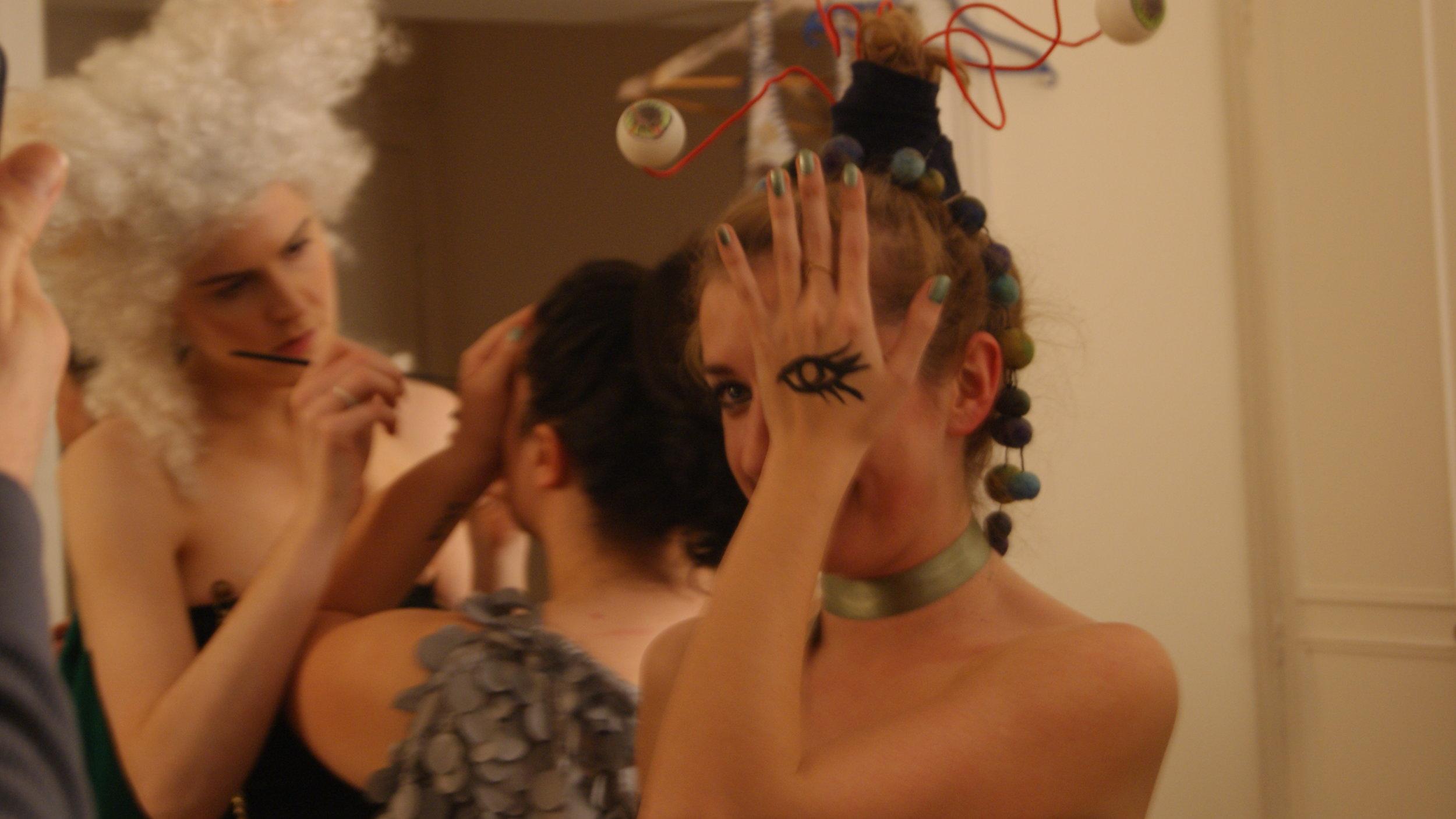 Liv, make up & Sophie.JPG