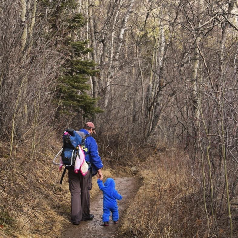Adventures with dad! Photo @harvestlife_mt