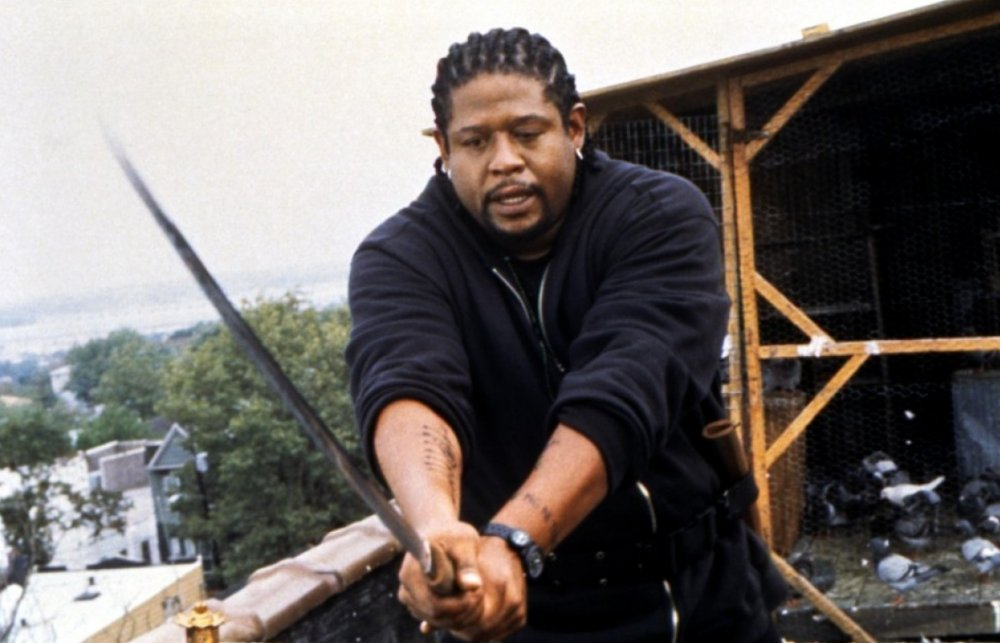 ghost-dog-the-way-of-the-samurai-1999-004-forest-whitaker-sword.jpg
