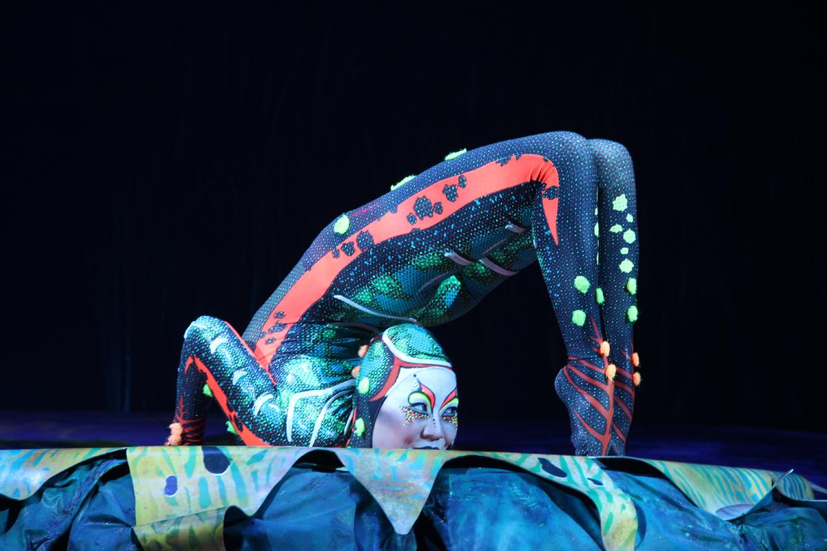totem-circo-del-sol-cirque-du-soleil-sevilla-andalunet-10.jpg
