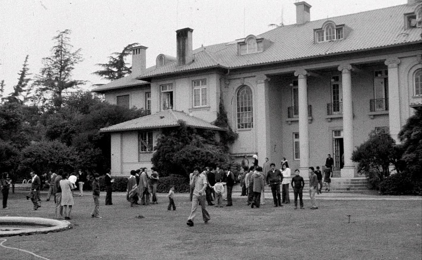 Santiago_Italia_L_ambasciata_di_Santiago_del_Cile__c_Sacher_Film.jpg