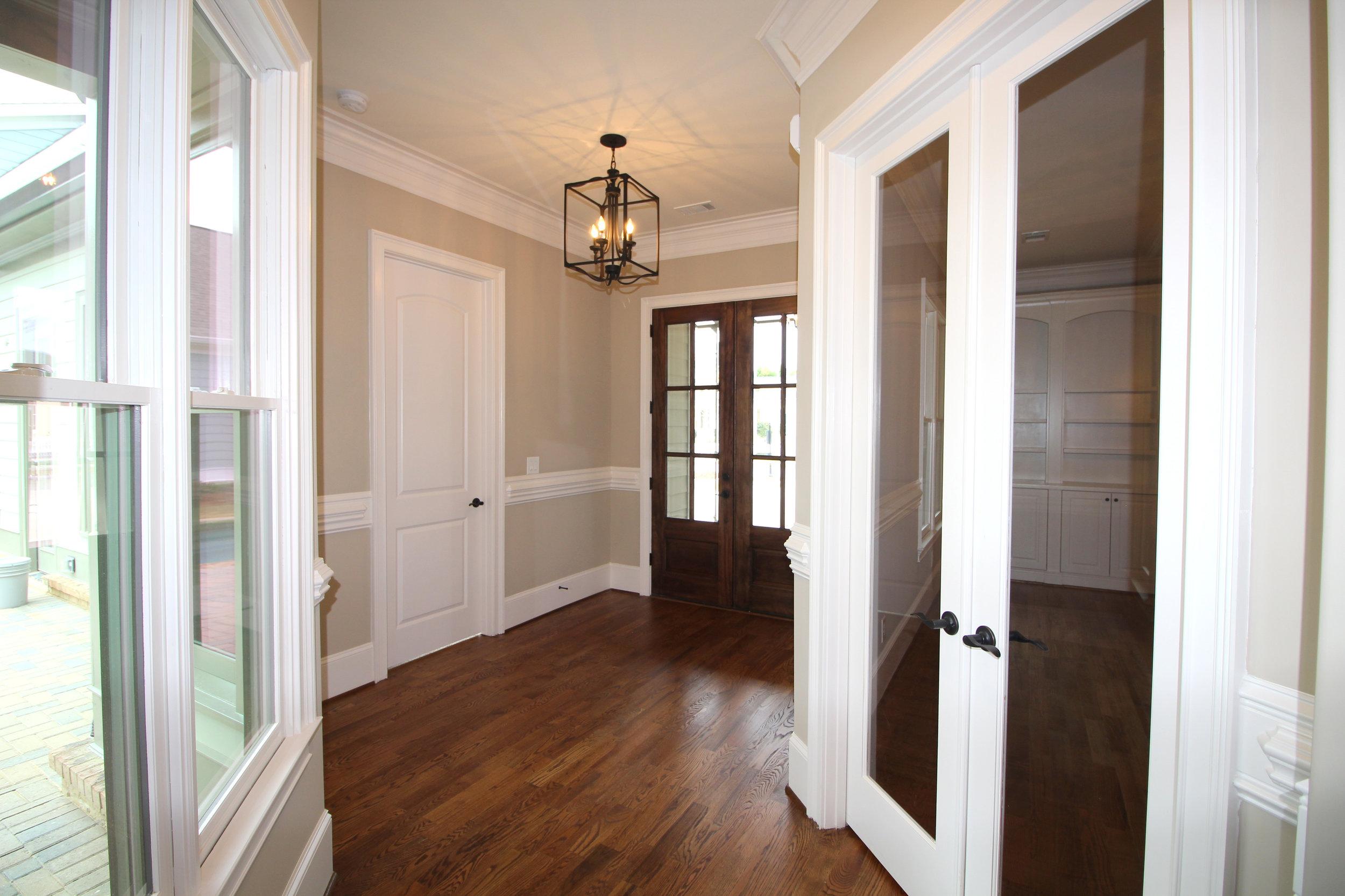 hardwood-floors-throughout-1756-greenleffe-drive-statham-ga-30666-the-georgia-club-oconee-county-oconee-springs-athens-area-home-for-sale-courtyard-homes.JPG