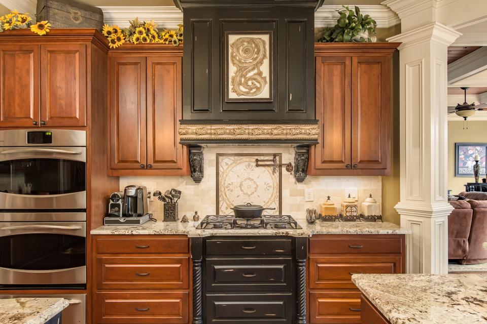 1310-longwood-park-$1,387,000-clubside-living-oconee-springs-courtyard-homes-house-for-sale-georgia-club-athens-sarah-lee-realtor-k-kitchen-2.jpg