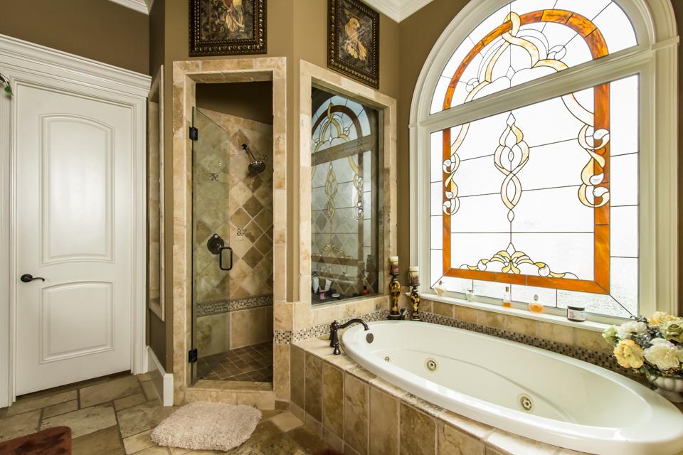1310-longwood-park-$1,387,000-clubside-living-oconee-springs-courtyard-homes-house-for-sale-georgia-club-athens-sarah-lee-realtor-master-bath.jpg